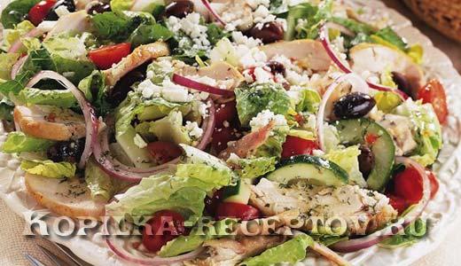 Вкусный греческий салат с курицей